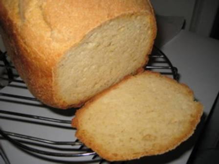 Хлеб из кукурузной муки в хлебопечке
